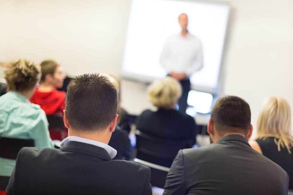 Treinamento de Funcionários: Como Ele Ajuda a Fechar Negócios